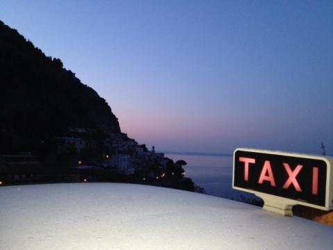 taxi service in positano